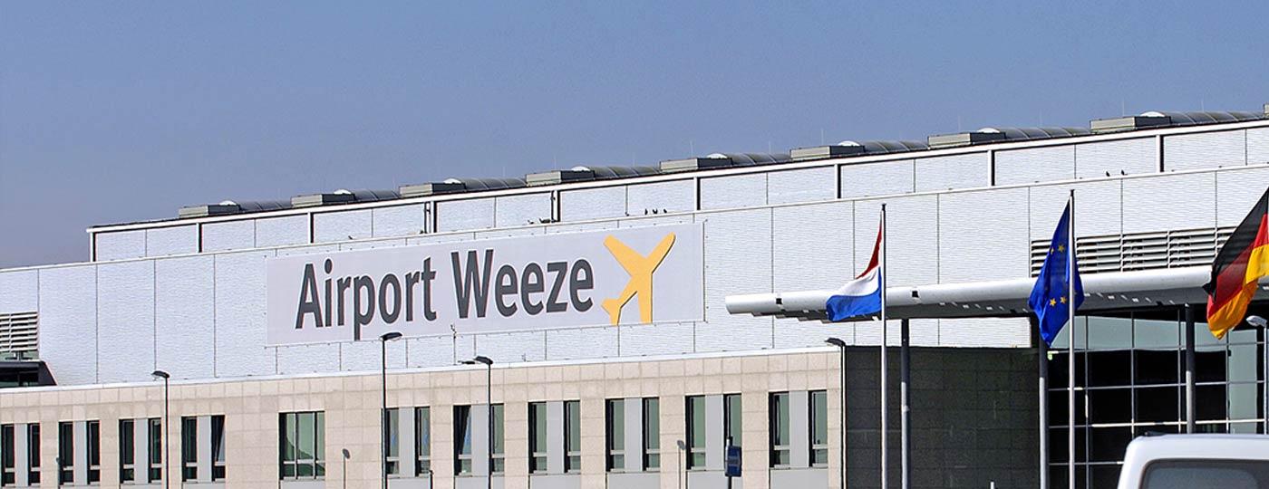 Taxi Arnhem Weeze Airport brengt u 24/7 comfortabel naar het vliegveld